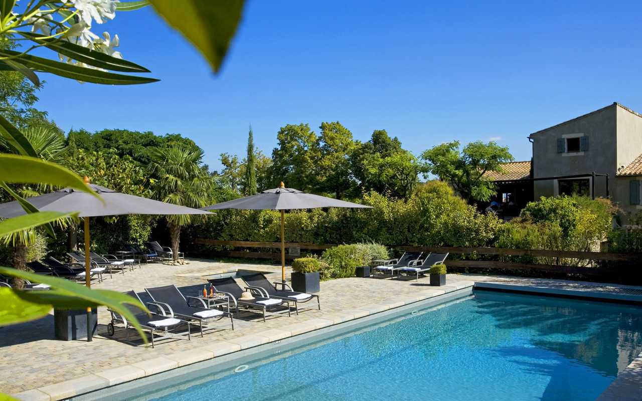 Outdoor pool Hotel luxe Carcassonne