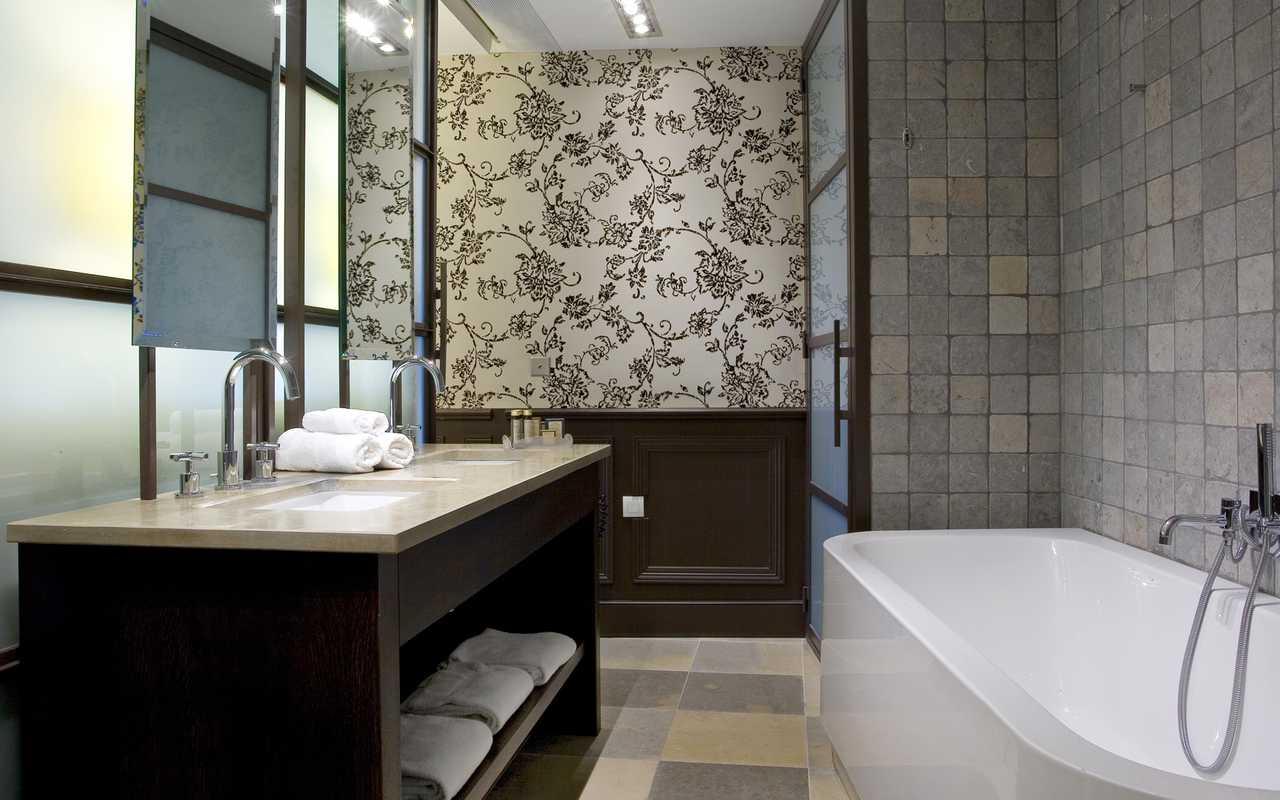 Salle de bain spacieuse Hotel Luxe Aude