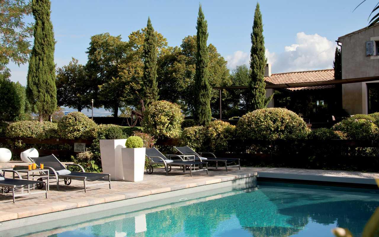 Piscine extérieure Hotel piscine Carcassonne
